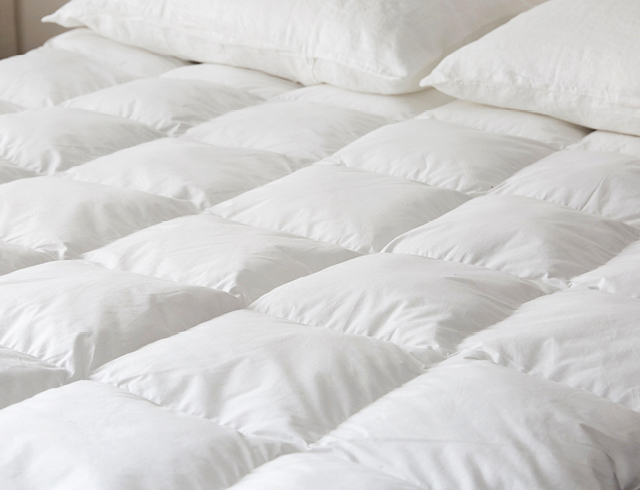 Hotel Bedding Mattress Topper