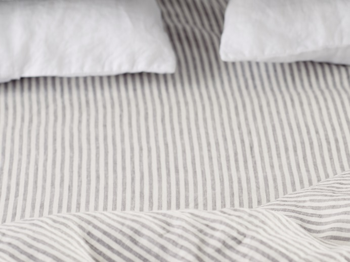 fitted-sheet-in-stripes-linen-3.jpg