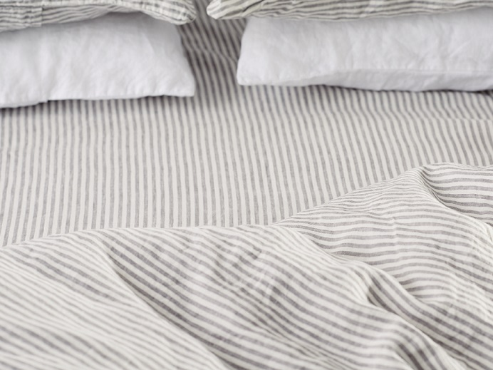 fitted-sheet-in-stripes-linen.jpg